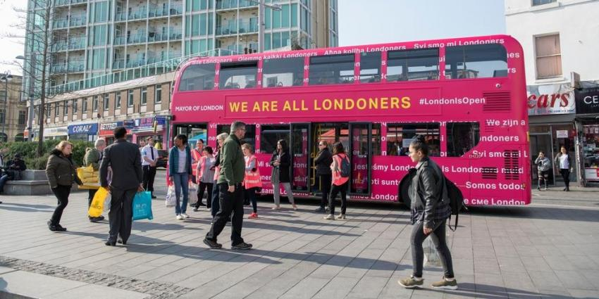 Picture of a bus in the streets of London